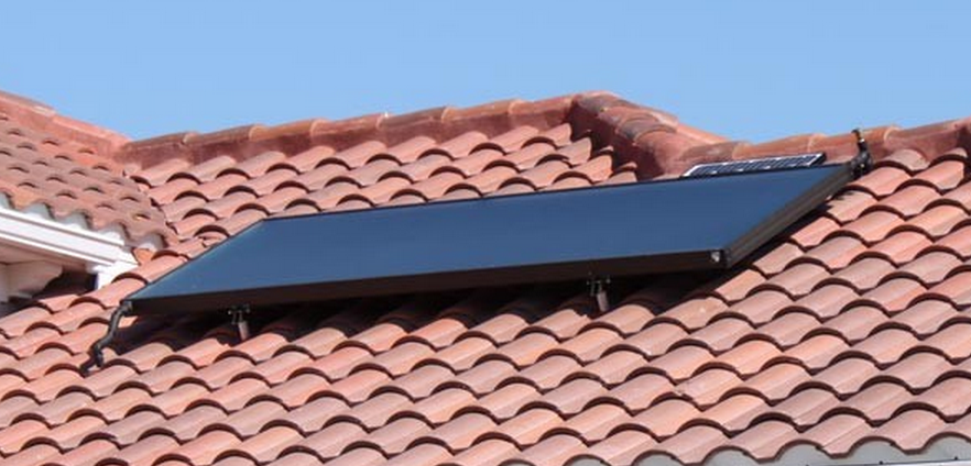A typical glazed flat plate solar water heating collector in Florida.